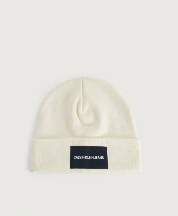 Pipo J Institutional Beanie